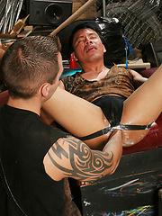 Gays demonstrates hard fisting scene - Gay porn pics at GayStick.com