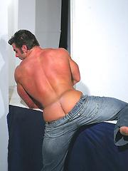Muscled bodybulider Frank De Feo - Gay porn pics at GayStick.com