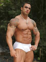 Samuel Vieira, latin bodybuilder - Gay porn pics at GayStick.com