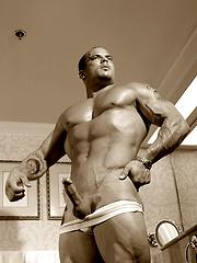 Troy Hammer jacking off - Gay porn pics at Gaystick