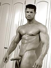 Stunning German bodybuilder Kurt Beckmann - Gay porn pics at Gaystick