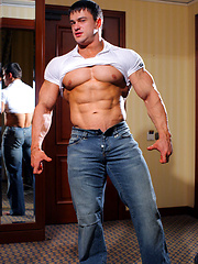 Eastern European Junior Bodybuilding Champion Anatoly Demidov - Gay porn pics at GayStick.com