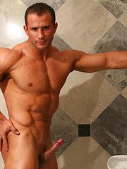 Sexy strong model Gordon Burke - Gay porn pics at GayStick.com