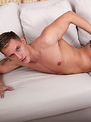 Smooth czech jock - Gay porn pics at GayStick.com