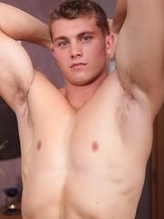 Blue eyed euro stud - Gay porn pics at GayStick.com