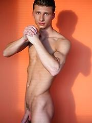 Hot european jock naked - Gay porn pics at GayStick.com