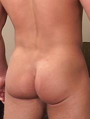 Jock masturbation in gym