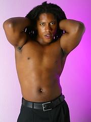 Black hunk posing naked - Gay porn pics at GayStick.com