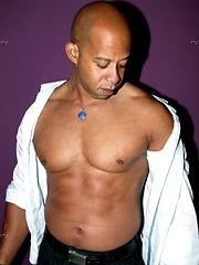 Big black cock - Gay porn pics at GayStick.com