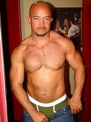 Bald latin mature man naked - Gay porn pics at GayStick.com