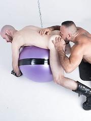 Alessio Romero and Reid Thrasher - Gay porn pics at Gaystick