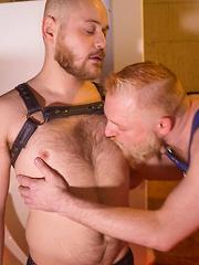 Sean Blackwell and Colin O Brien - Gay porn pics at GayStick.com