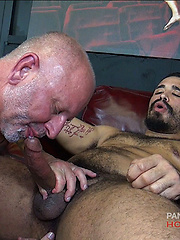 Daddy Scott Snow Breeds Trey Turners Candy Hole - Gay porn pics at Gaystick