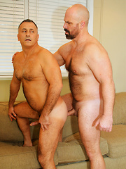 Real Couple Giovanni and Vino - Gay porn pics at Gaystick