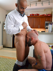 Daddy Im Home - Gay porn pics at Gaystick
