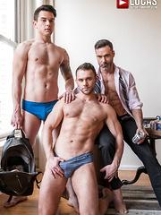 DAKOTA PAYNE SUBMITS TO MANUEL SKYE AND BLAZE AUSTIN - Gay porn pics at Gaystick