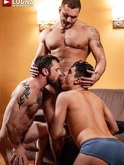 SERGEANT MILES AND BROCK MAGNUS SPIT-ROAST KEN SUMMERS - Gay porn pics at Gaystick