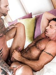 DYLAN JAMES FUCKS MUSCLE DADDY NICK CAPRA - Gay porn pics at Gaystick