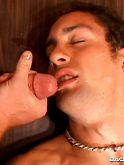 LATE TO WORK - Gay porn pics at Gaystick