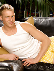 College student bares his pretty body