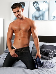Toby Tucker has never done a scene with another guy before - Gay porn pics at GayStick.com