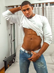 Muscled ebony stud Randy loads cum on his beefy chest