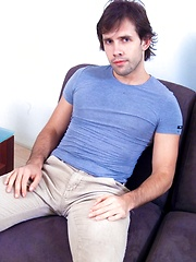 Nude latin guy Ove solo masturbation - Gay porn pics at GayStick.com