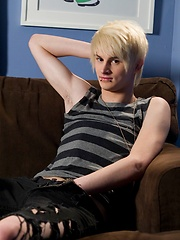 Brant Meyers is new HelixStudio blonde emo boy - Gay porn pics at GayStick.com