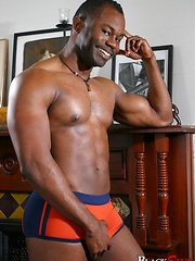 Black hung man shows his perfect body - Gay porn pics at GayStick.com