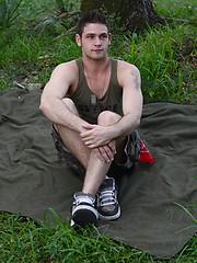 Hot soldiers Sean and Duncan - Gay porn pics at GayStick.com