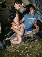Tent fucking - Gay porn pics at GayStick.com