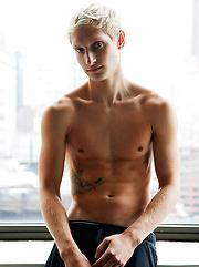 Bravo Delta Sunday Dream with Max Carter - Gay porn pics at GayStick.com