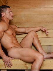 Trey Turner Fucks Bryce Evans - Gay porn pics at GayStick.com