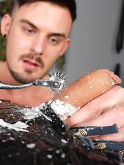 Horny Mark Henley Gets A Load - Gay porn pics at GayStick.com