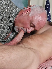 Jake gets facial from Lucas Knight - Gay porn pics at GayStick.com