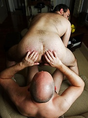 Real-life fuck buddies show you how they do it in this ass filling scene - Gay porn pics at GayStick.com