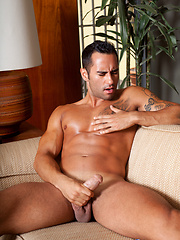 Joey Santana showing off his hole for a bit - Gay porn pics at GayStick.com