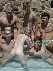 6 Horny Twinks & Studs Dish Up A Spunktastic Bareback Poolside Orgy! - Gay porn pics at GayStick.com