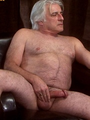 Straight daddy bear, Davo big fat headed cock can blow a quite a huge salty wad - Gay porn pics at GayStick.com