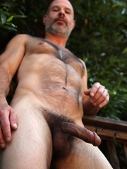 Evan Scott might be a pint size muscle bear but with his sexy furry chest and huge cock - Gay porn pics at GayStick.com