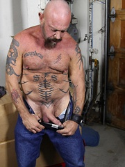 Rough and tough daddy bear Mayhem is always ready for some hot, sweaty and dirty trouble - Gay porn pics at GayStick.com