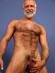 Allen Silver is just the kind of sexy bear you'll want to be your moving man - Gay porn pics at GayStick.com