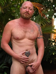 Ginger bear Kirby has one huge head on his fat cock that we can't get enough of - Gay porn pics at GayStick.com