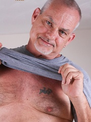 Silver bear Tiger Thompson is a tall Texan that loves having his ass eaten - Gay porn pics at GayStick.com