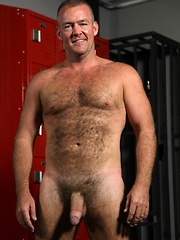 Bruce Mills is one sexy bear covered in hair - Gay porn pics at GayStick.com