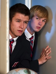 Two american boys have fuck in the school - Gay porn pics at GayStick.com
