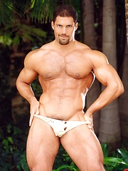 Superstar Franco Corelli hot posing on the nature - Gay porn pics at GayStick.com