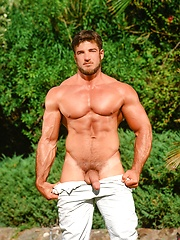 Very hot and muscle Rick Wolfmier - Gay porn pics at GayStick.com