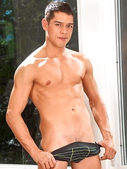 Young gay model Bobby Hart - Gay porn pics at GayStick.com