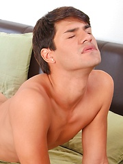 Andrew Markus vs Devin Thilo - Gay porn pics at GayStick.com